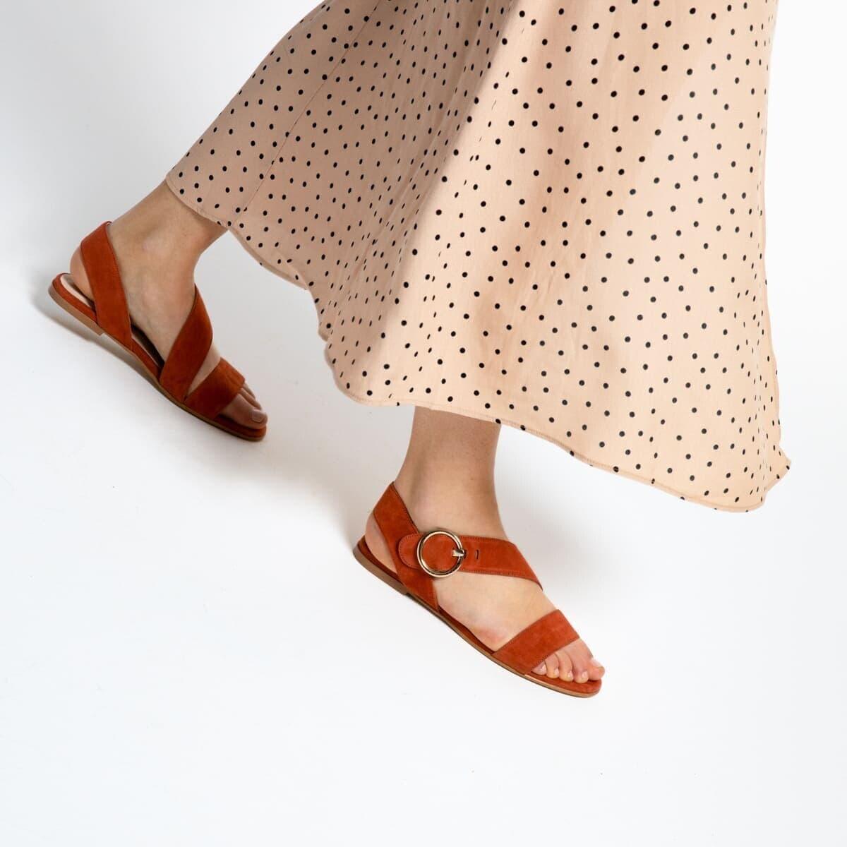 Sandales plates à lanières et boucle Femme en velours brique  GakTK